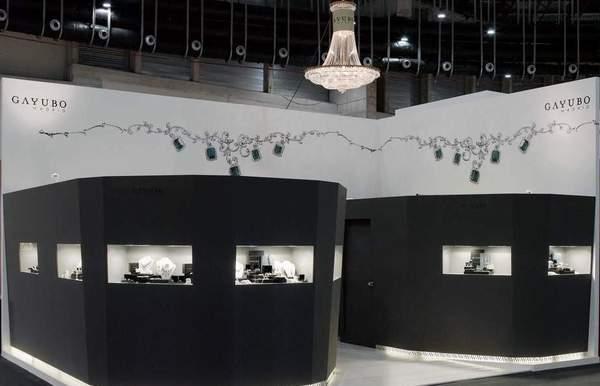 Lustres para feira de joias Iberjoya