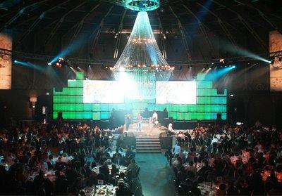 Lustre Super-Size brilha durante Spin Awards